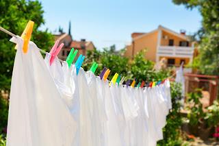 Petua Pakaian Kekal Putih Sentiasa