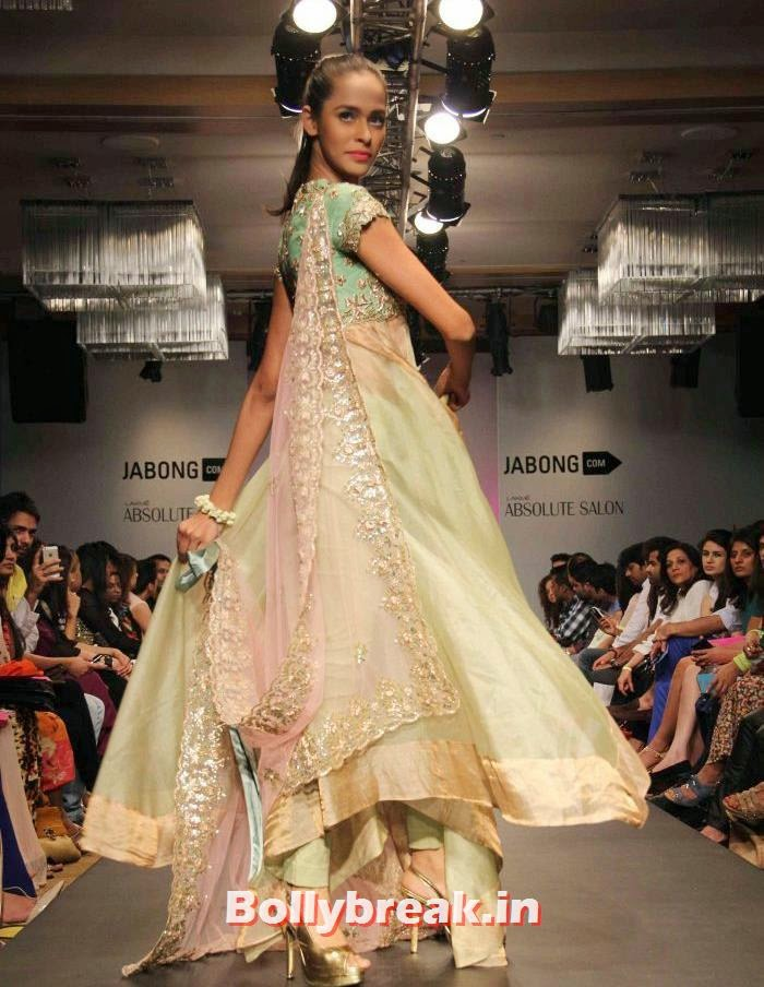 Anushree Reddy Show at Lakme Fashion Week Summer/Resort 2014 Day - 4, Ileana D'Cruz at Anushree Reddy Show - Lakme Fashion Week