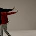"""Kanye West e Bon Iver estão dançando em """"Friends"""", clipe novo do Francis and The Lights"""