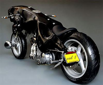 Moto en forma de pantera negra