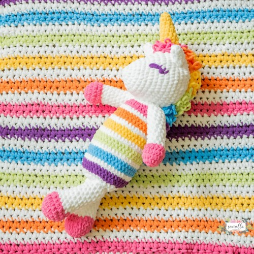 Lola the Crochet Plushy Unicorn - Free Pattern