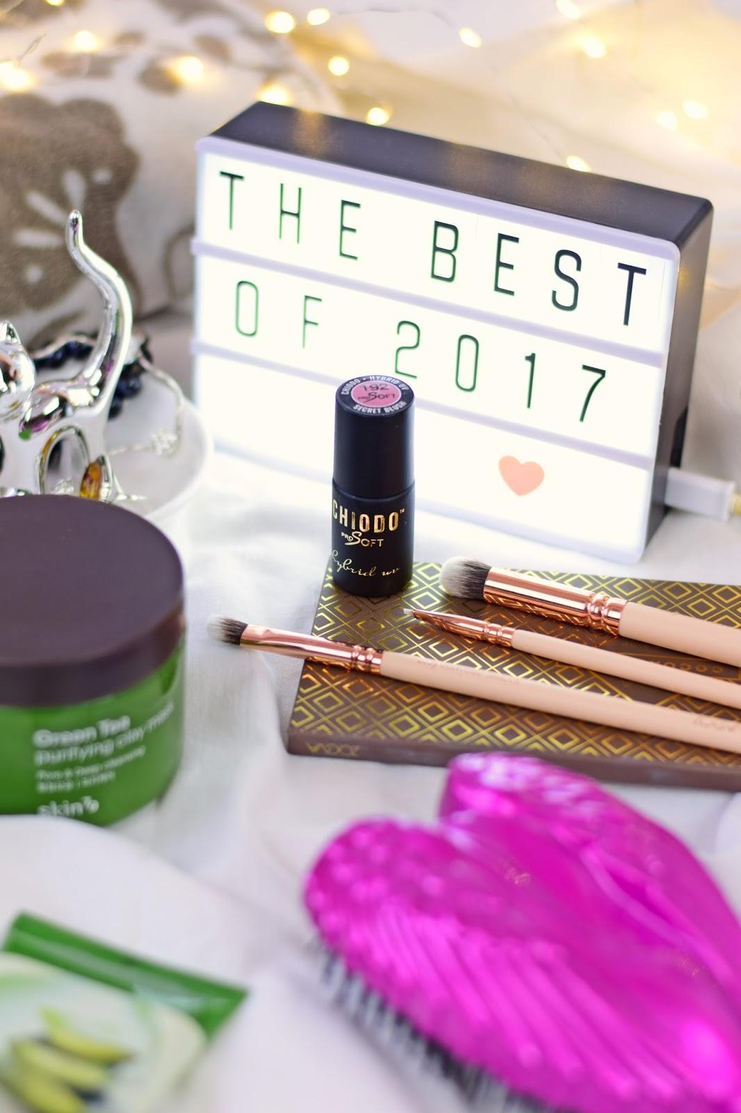 odkrycia_hity_kosmetyczne_najlepsze_kosmetyki_2017_roku_makijaż_pielęgnacja_włosy_paznokcie_gadżety_blog