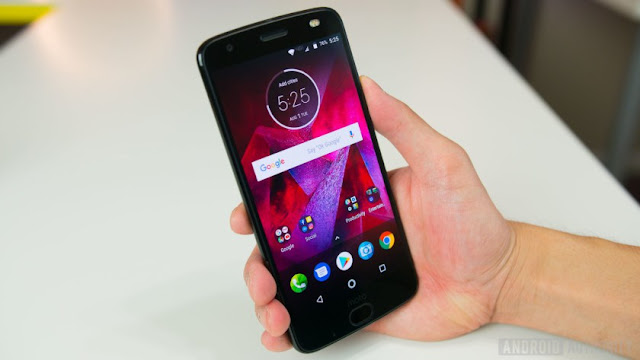 Moto Z2 Force Review: design and display