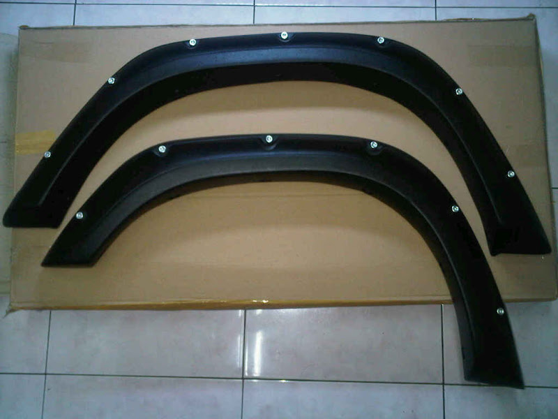 OVER FENDER JIMNY, KATANA, SIERRA,,,,MODEL KOTAK BAHAN KARET title=