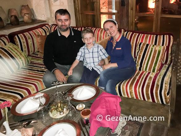 Tandır odasında yemek öncesi, Fresco Cave Hotel Kapadokya Ürgüp
