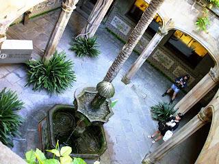 barcellona barrio gotico corte