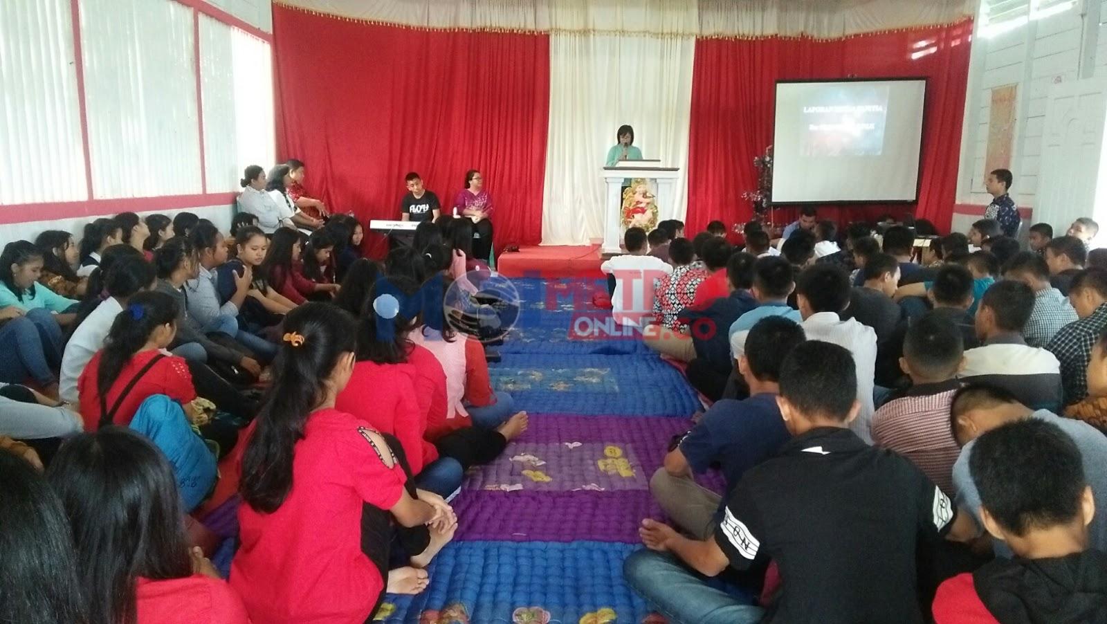 SMPS Pembda 2 Gunungsitoli Gelar Bible Camp & Tafakur Kepada Kelas IX