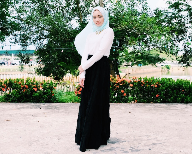 Bash Harry Bruneian Beauty, Fashion & Lifestyle Blogger hijabi