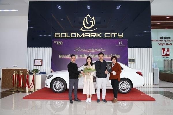 trao-oto-mercedes-cho-khach-hang-tai-su-kien-tri-an-cua-tnr-goldmark-city