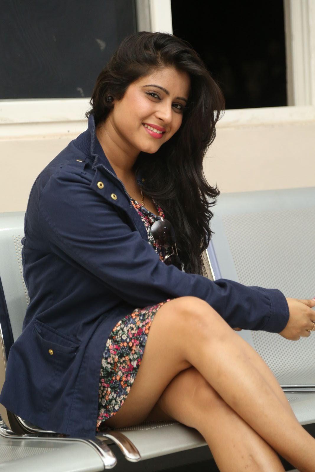 Manisha Thakur Sizzling Hot Photo Shoot - Latest Tamil -3092