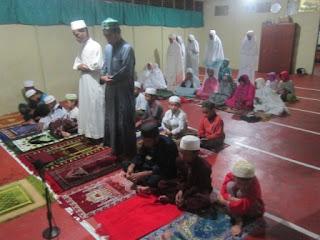 Pelaksanaan Sholat Hajat Persiapan US/M Kelas VI MI Al Raudlah