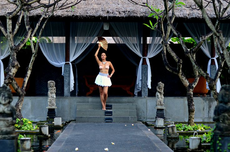 Tamara Chloé, Legian Beach hotel, Bali, Indonesia, Hunkemoller, Sylvie Collection, Beachwear