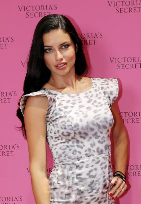 Adriana Lima in Alexis – The 'Victoria's Secret Fantasy