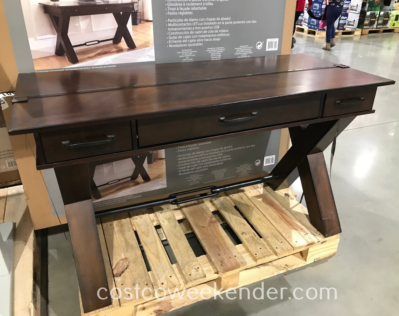 Costco 1900101 - 54-inch Writing Desk: great for any home office