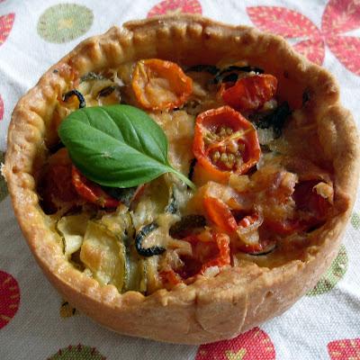 tarta salada de tomate y calabacín