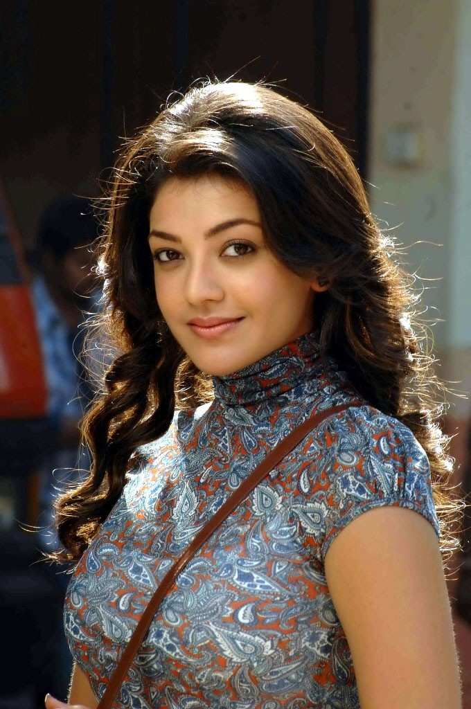 Beautiful Bollywood Queen Kajal Agarwal Lang Black Hair Stills In Blue Dress
