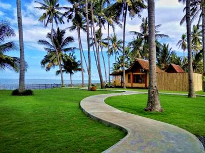 villa pantai solong