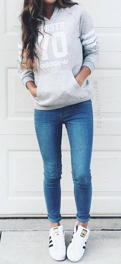 ootd: sweatshirt + skinnies + sneakers