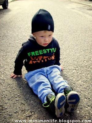 http://minimanlife.blogspot.com/2012/10/spacerek-z-mamusia_14.html