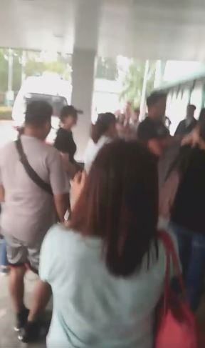 Angel Locsin Was Warmly Welcomed At The Army General Hospital