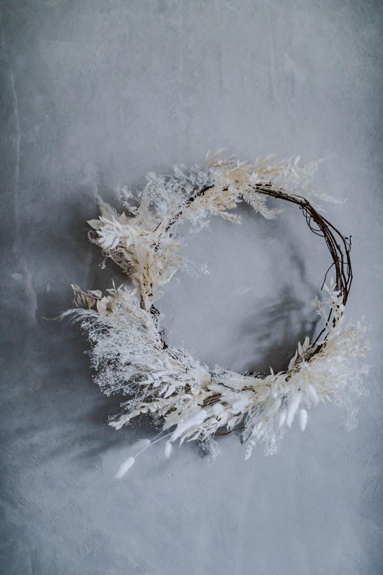 Natural white wreath with dried plants for simple Christmas decoration by Local Milk