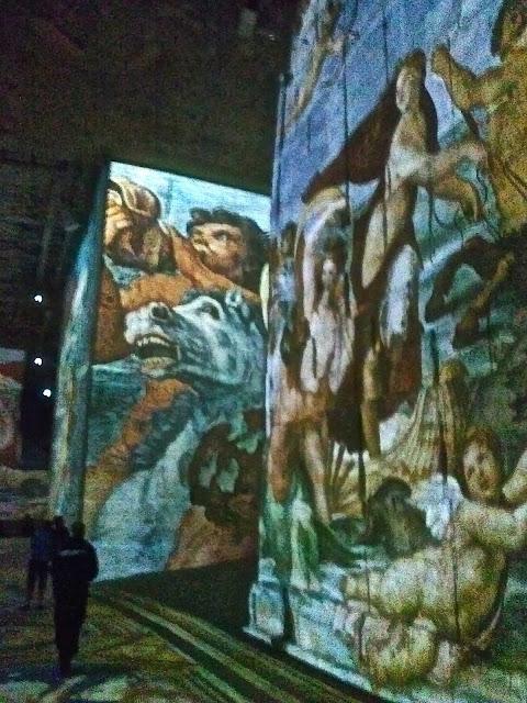 Michel Ange : Carrière de lumière des Baux année 2015  Michel Ange, Raphaël, Léonard de Vinci