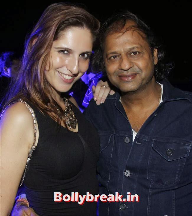 Helena Kurtz  with Vasant Bhandari, Page 3 Babes at Sunburn Arena DJ AVICII Concert