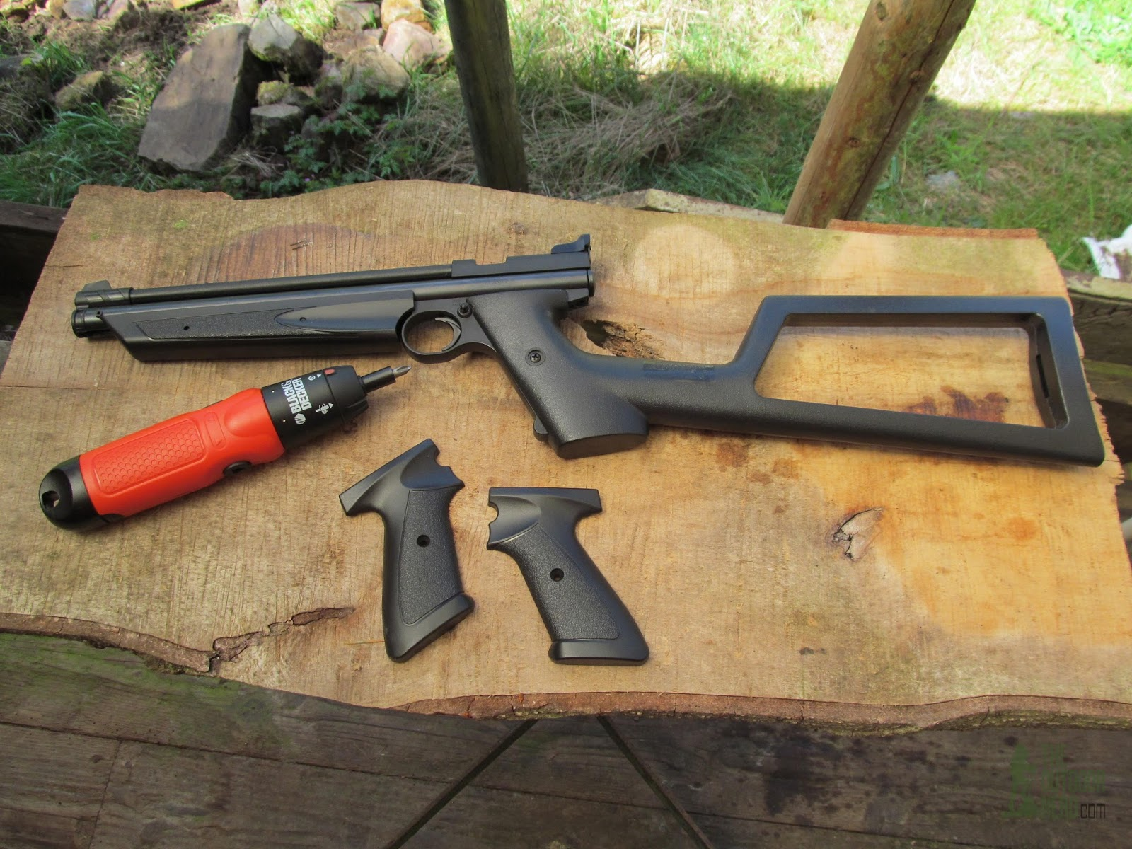 Review: Crosman 1322 Air Pistol Premier Shooters Kit | The Outdoor Nerd