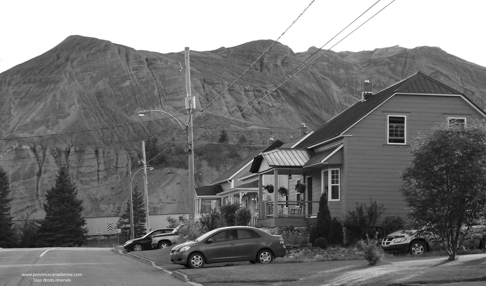 Province canadienne les anciennes mines for Amiante maison ancienne