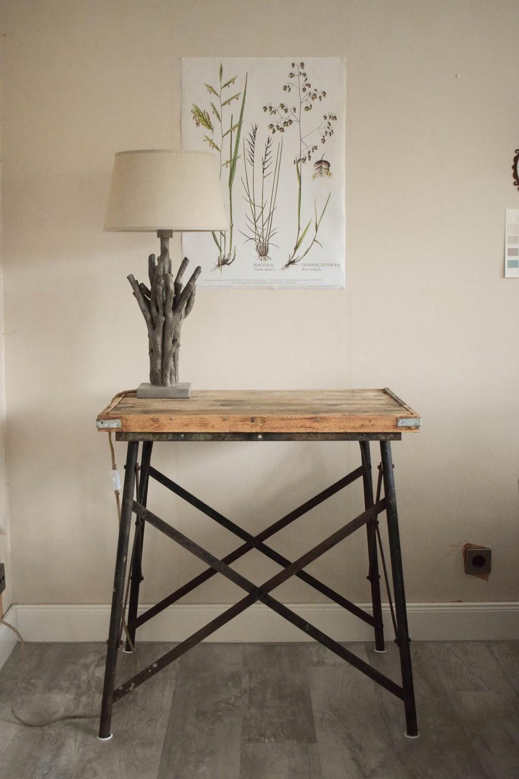 Deko Herbst für Konsole und Sideboard. Herbstdeko Dekoidee Wohnzimmer Dekoration botanisch natuerlich dekorieren selbermachen