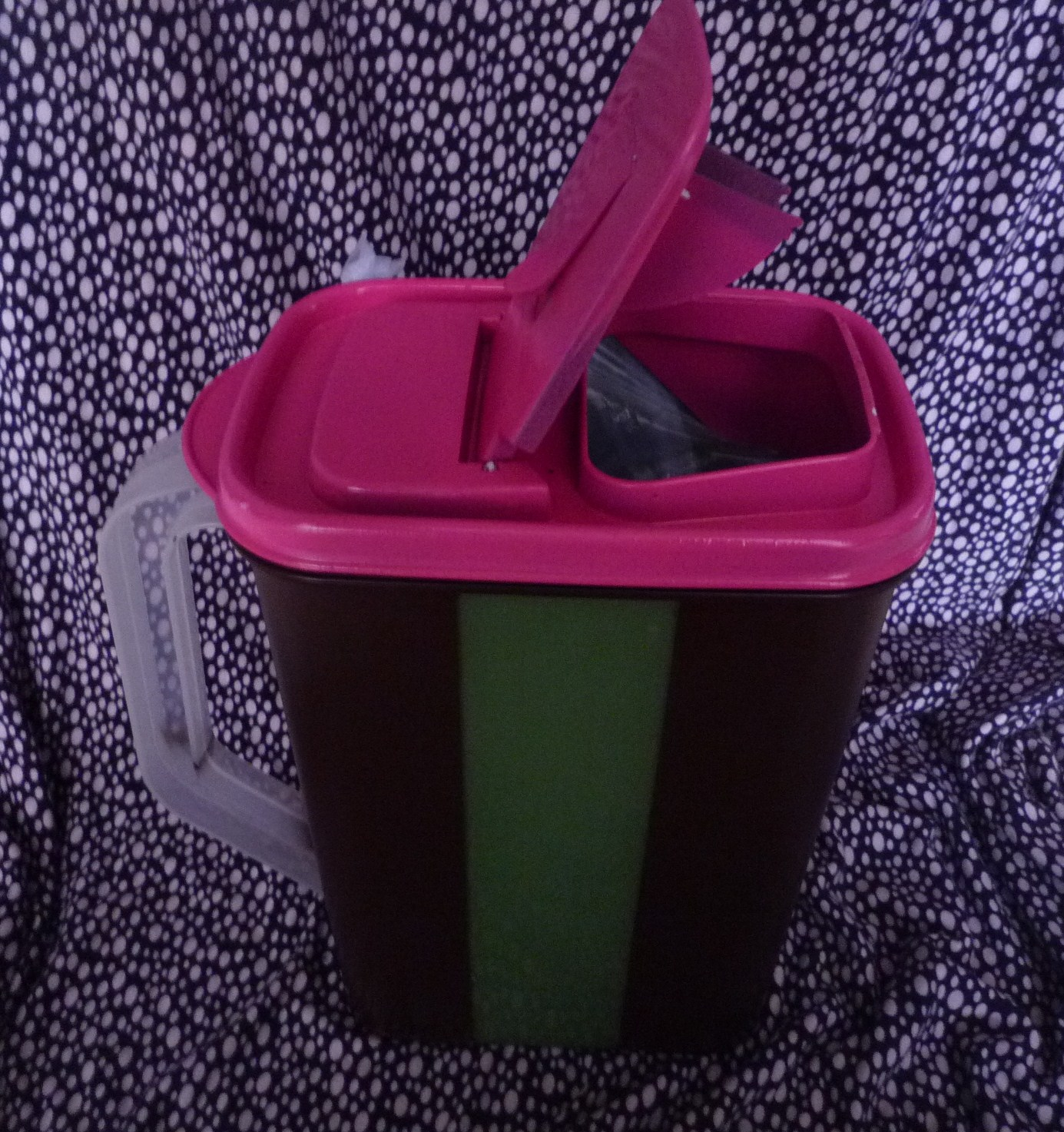 A Busy Mom S Blog Diy Car Trash Can