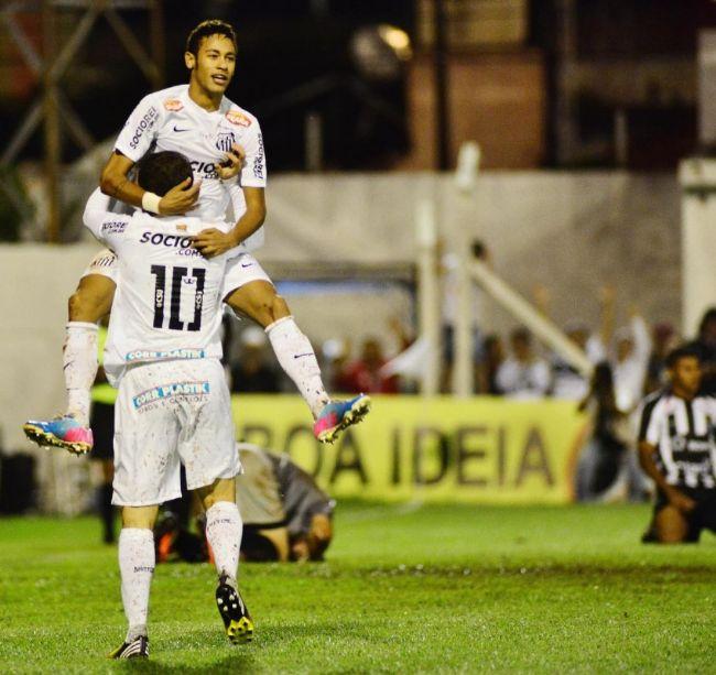 Santos goleia com quatro gols de Neymar ced61cee87d24