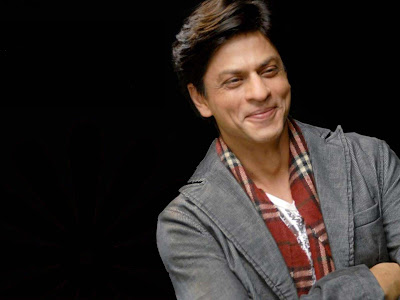 smiling-dp-snap-of-shahrukh-khan-wallpapers