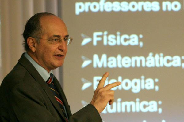 Professor do RN faz palestra sobre Educação Profissional na Universidade do Porto