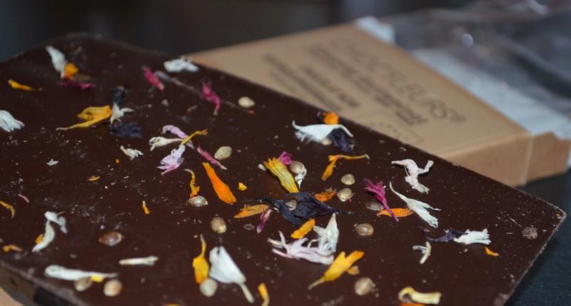 Chocolat Noir aux épices Aphrodisiaques BIO / Chocolaterie Choc'fleurs /
