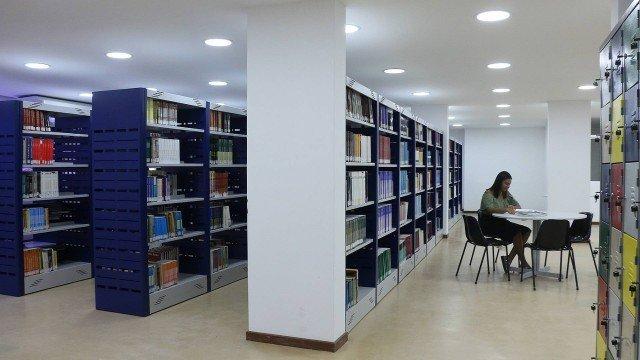 Pesquisa mundi for Distancia entre estantes biblioteca