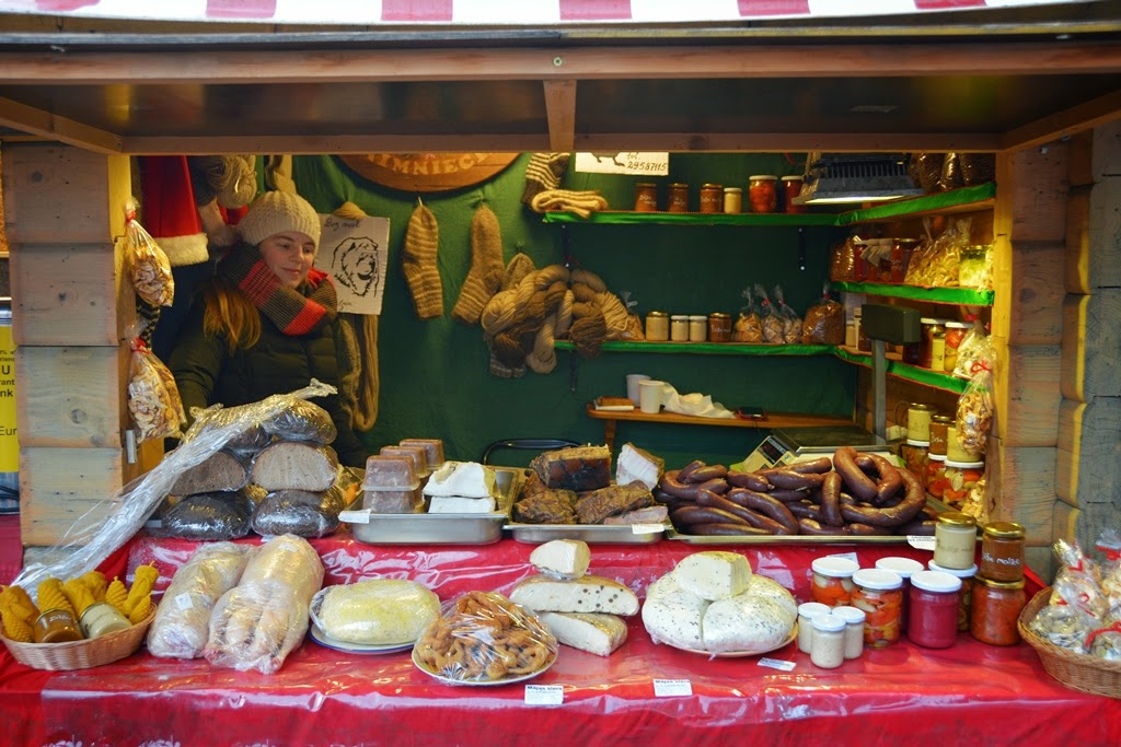 Christmas Market Riga meat cheese