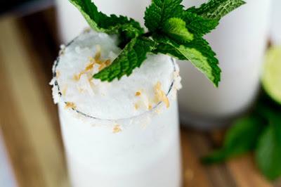 hình frozen toasted coconut moonshine