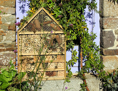 DIY Luxuty Insect Hotel
