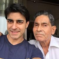 Foto Gautam Rode dengan Ayahnya