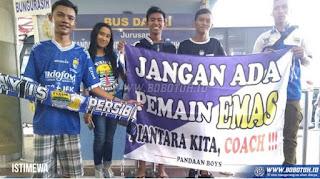 Bobotoh dan 2 Pemain Persebaya Sambut Tim Persib di  Malang