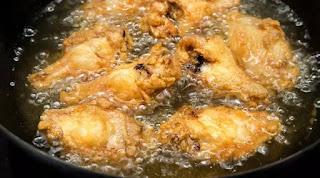 Tips Memasak Ayam Goreng Matang Sempurna Garing di Luar Lembut di Dalam