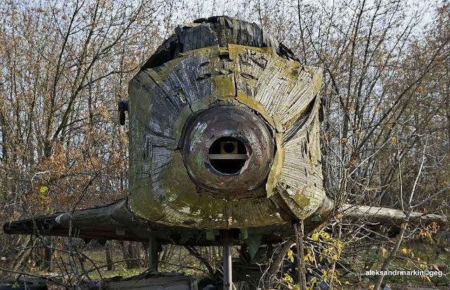Monumentos às glórias espaciais soviéticas caem aos pedaços