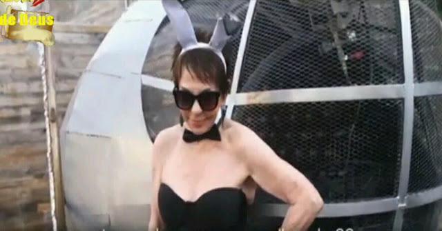 Mantan model Playboy usia 83 tahun mengiklankan pakaian dalam