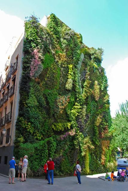 Jardín vertical en el edificio de La Caixa Forum