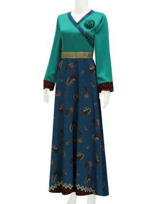 Baju gamis kombinasi kain batik dan polos