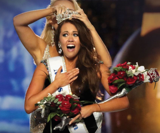 23-years old Cara Mund wins Miss America 2017