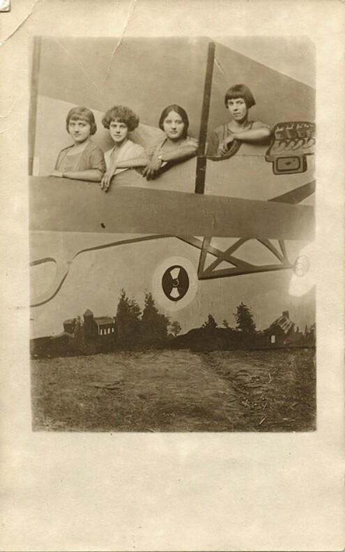 Four Women In An Airplane, Studio Cut-out