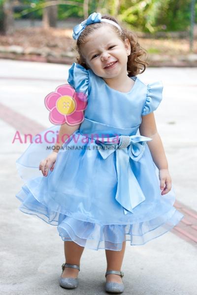 vestido de festa azul com laço