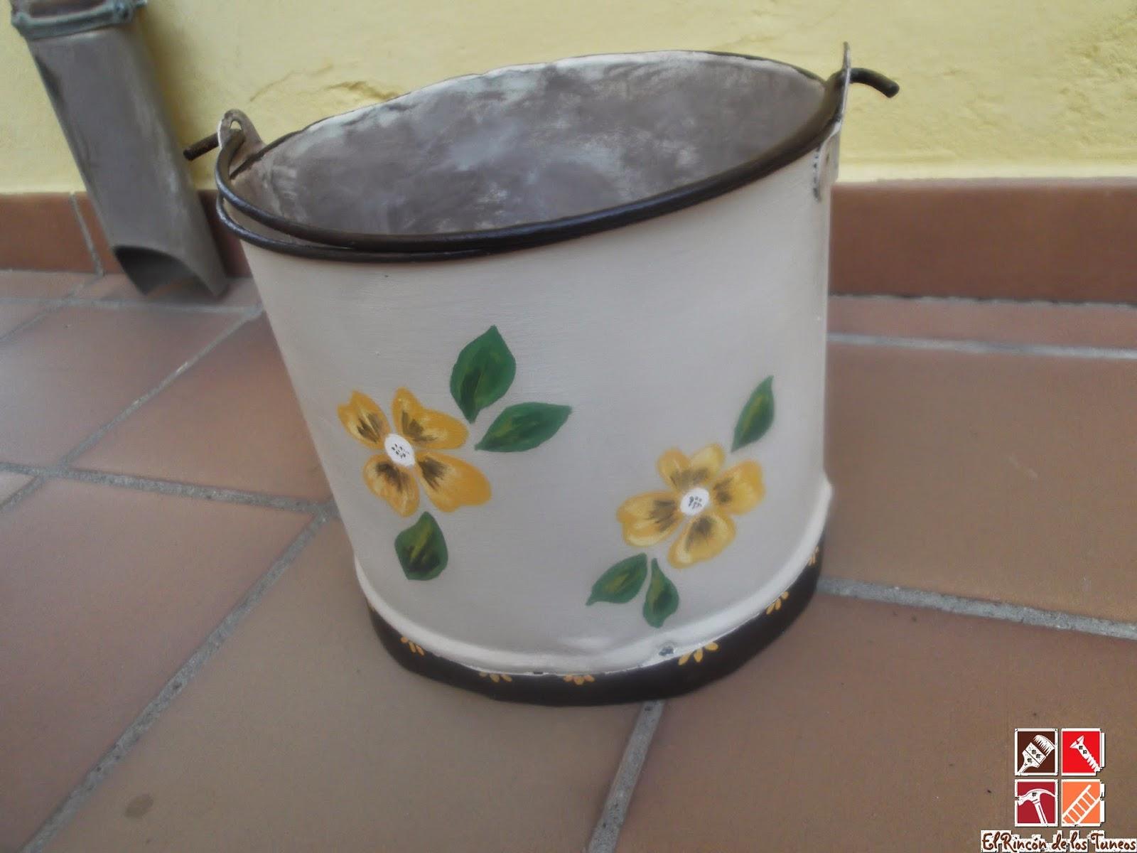 caldero esmaltado pintado a mano
